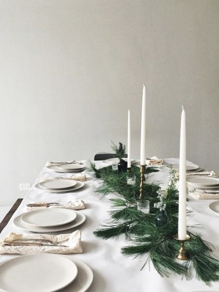 simple pine needle table runner