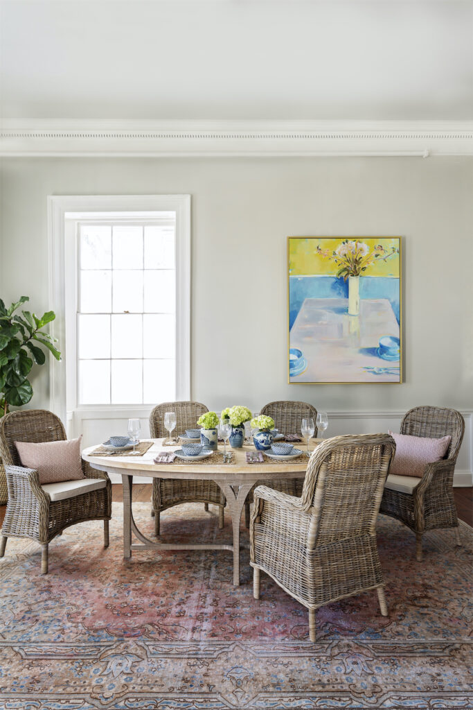 How to Decorate Your Dining Table for Spring